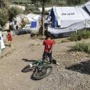 Gouverneur threatens to close Lesbos camp