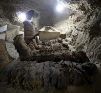 17 mummies discovered in old graftombe