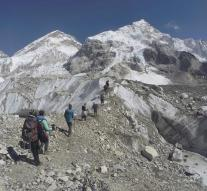 Again climber died on Mount Everest