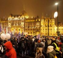 Again massively protest Budapest against Orbán