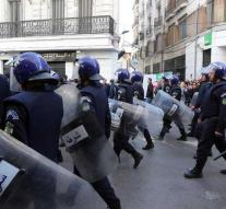 Again protests in Algeria against Bouteflika