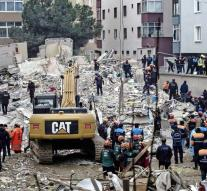 Arrests after collapsing flat Istanbul