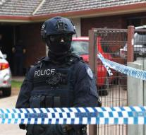 Australia arrests men to plot attack
