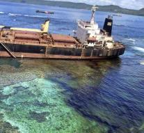 Australia helps with oil leak Solomon Islands
