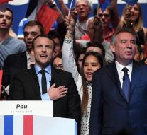 Bayrou and Macron agree on candidate list