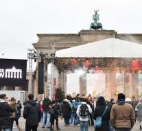 Berlin commemorates touch with concert