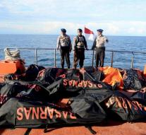 Bodies recovered after shipwreck Sulawesi