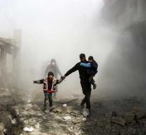 Bombs USA on militias Assad