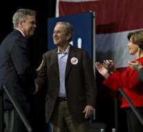 Bush helps Bush during campaign