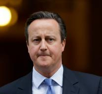 Cameron praises soldiers in Christmas message