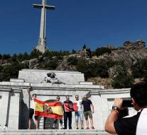 Catholic church bows for Franco