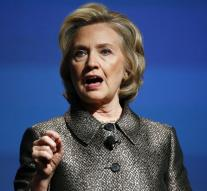 Clinton wants to land troops in Syria and Iraq