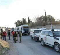 Convoy Red Cross enters East Ghouta