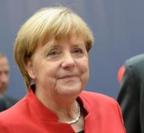 CSU supports fourth term for Merkel