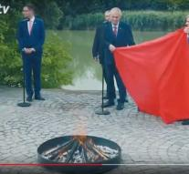 Czech president sets fire to huge pants