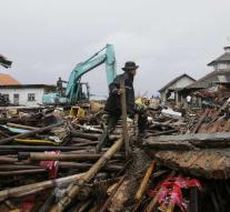Deaths by tsunami Indonesia continues to rise