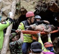 Fear for another 100 missing after mine disaster