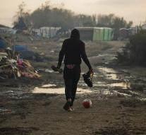 French angry Britons refugees Calais