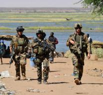 French offensive in Mali after massacre in hotel