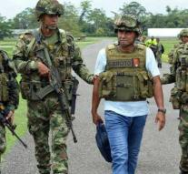Gang Colombia lays down weapons during Christmas