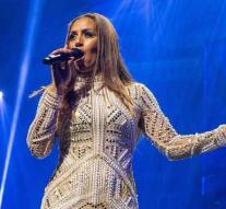 Glennis Grace impresses with live show AGT