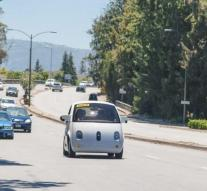 Google puts self-propelled vehicle in separate company