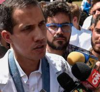 Guaidó accuses police of intimidating family