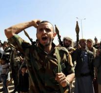 Houthi rebels form government
