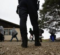 Hungary also closes border with Croatia