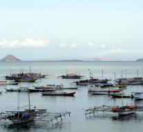 Indonesia blows on illegal fishing boats