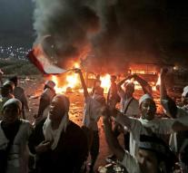 Indonesia police stop massive Muslim protests