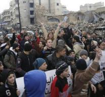 Invitations peace talks Syria from the door