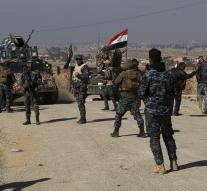 Iraqi forces storm Mosul airport