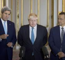 Kerry and Johnson: cease-fire in Yemen
