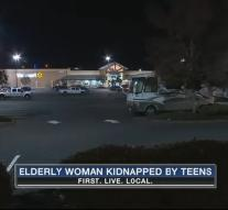 Kidnapped elderly escapes from trunk