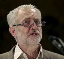 Labour Leader to trace oath to Queen