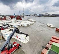 Large drug seizures in port of Antwerp