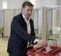 Latvian government coalition loses majority