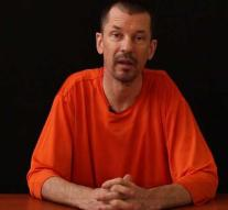 London: IS hostage Cantlie still alive