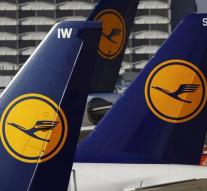 Lufthansa pilots may strike of judges
