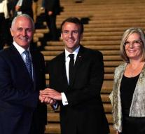 Macron thanks Prime Minister and z \u0026 # x27; n # nice woman \u0026 # x27;