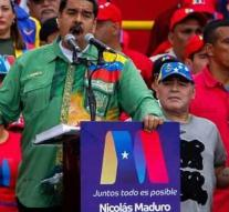'Maduro lets Colombians vote for him'