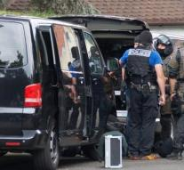Man barricaded himself with weapons in Stuttgart law firm