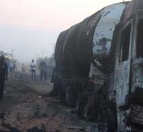 Many deaths from collision bus and truck in Congo