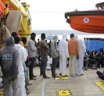 Many fewer migrants arrived in Italy
