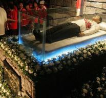 Marcos reburied on hero cemetery