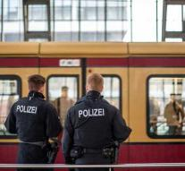 Men run over on German S-Bahn after a fight