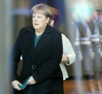 Merkel and Hollande: extend sanctions Russia