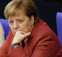 Merkel must interrupt trip to G20 summit to defect plane