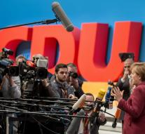 Merkel's CDU allays refugees quarrel